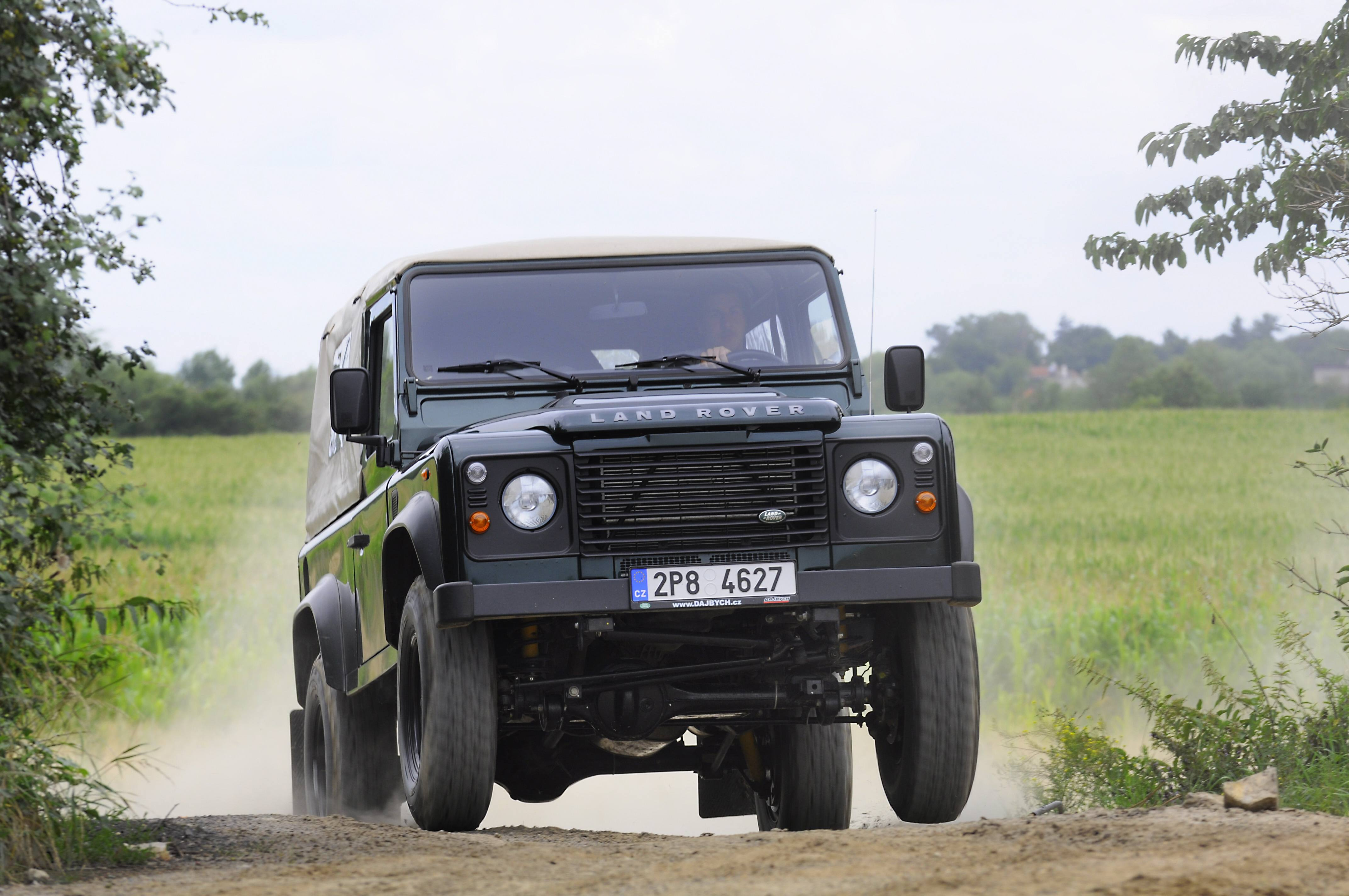 Land Rover Defender 90 Td4 Softtop - LOVECKÝ SPECIÁL